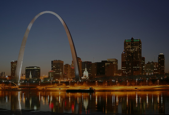 St. Louis Singles Events - Speed Dating, Singles Mixer, Black and White party, Happy Hours, Local Singles game night.